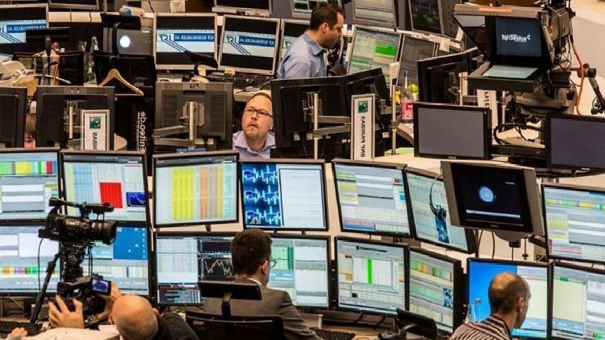 Küresel piyasalara belirsizlikler hakim